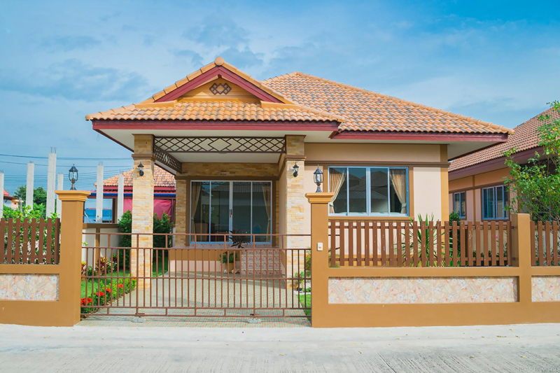 Thai house design colorful 3 bedroom thai house with for Home designs thailand
