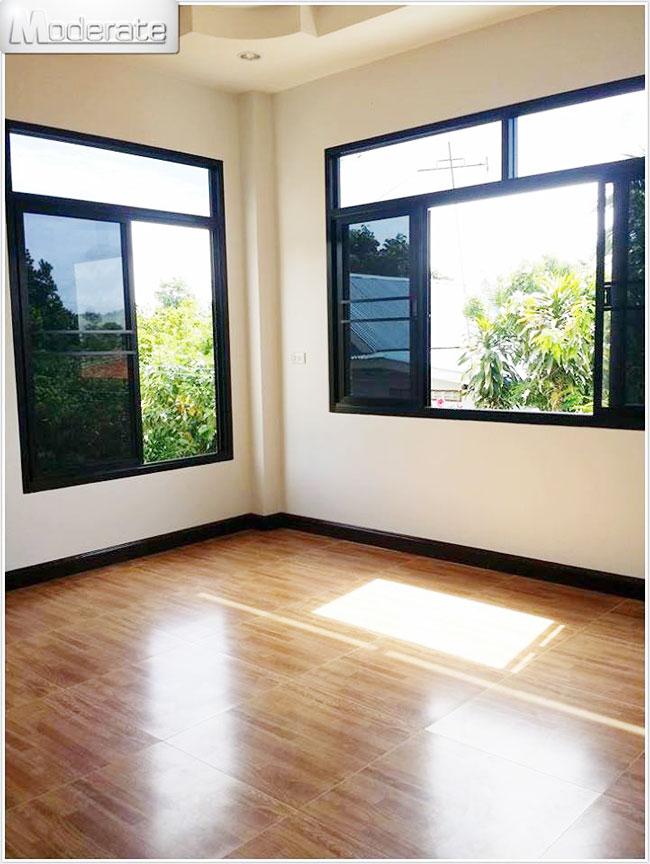 Single Storey House Design: Elevated Modern Single Storey House