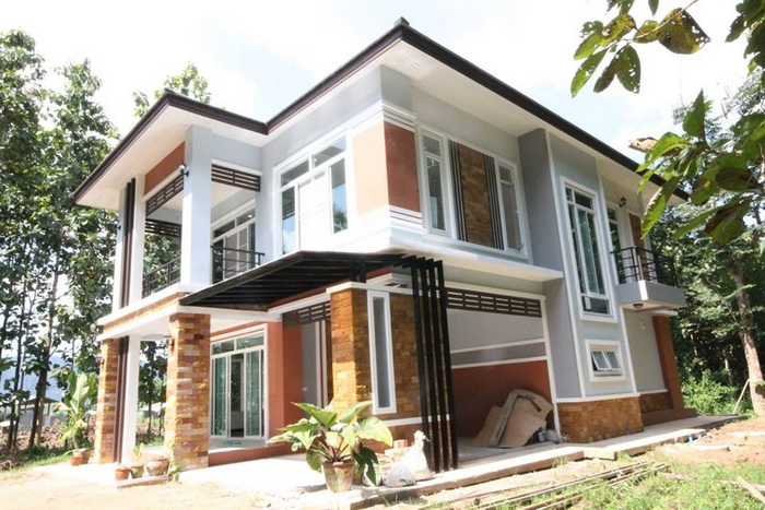 Two-Storey Modern Tropical Home